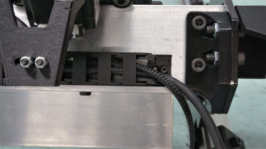 Clip the drag chain onto the end link on the X-axis rail